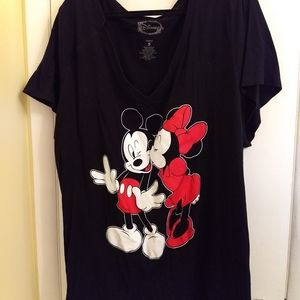 Disney's Mickey & Minnie Graphic T-Shirt